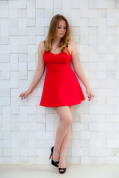 Victoria Dors