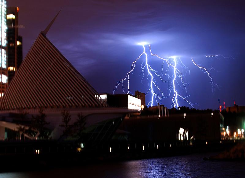 Cala Trava-Double Lightning bolts.jpg