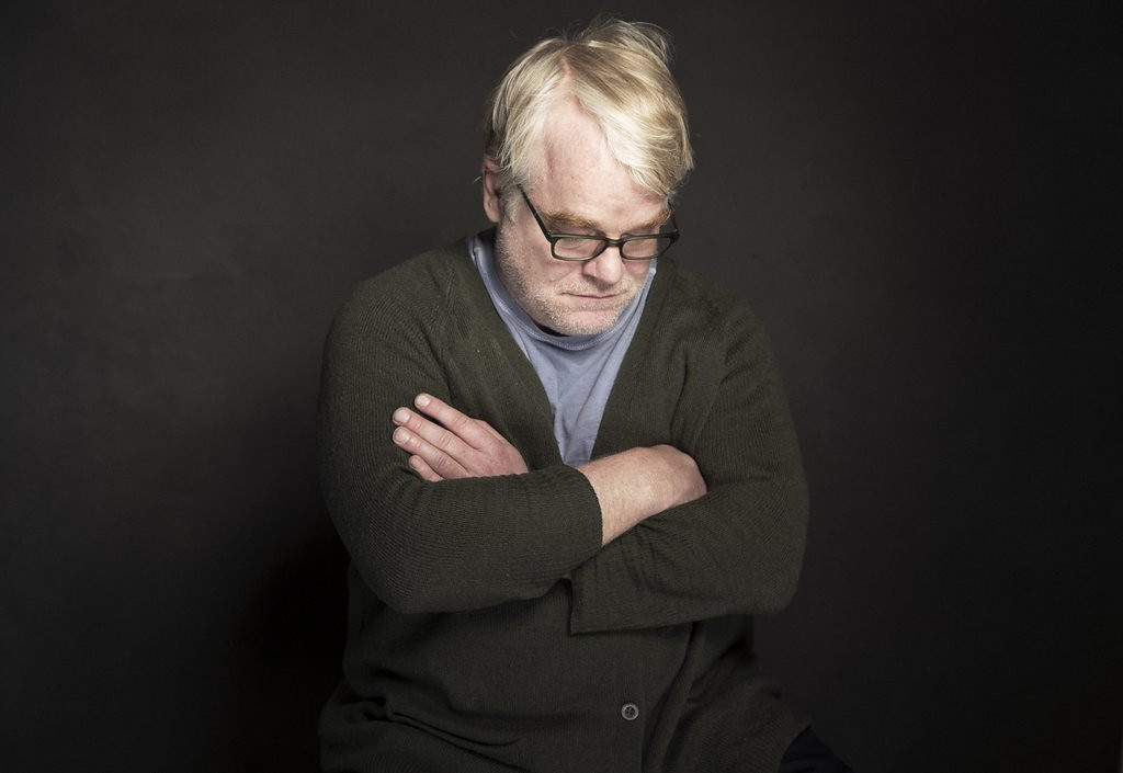 """. <p>5. (tie) PHILIP SEYMOUR HOFFMAN <p>Autopsy inconclusive. Syringe in his arm pretty conclusive. (3) <p><b><a href=\'http://www.nydailynews.com/new-york/philip-seymour-hoffman-alleged-dealers-arrest-shocks-neighbors-article-1.1603028\' target=\""""_blank\""""> HUH?</a></b> <p>    (Victoria Will/Invision/AP)"""