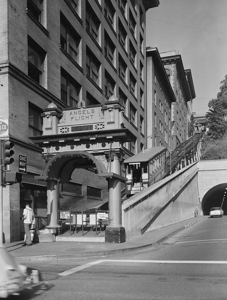 1960-10-02_HistoricAmericanBuildings_AngelsFlight02.jpg
