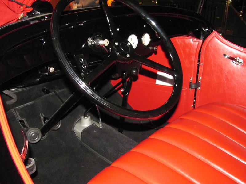 Good looking steering wheel!