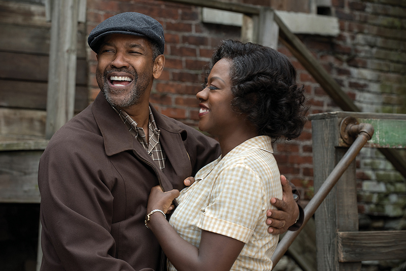 MOVIE-REVIEW-FENCES