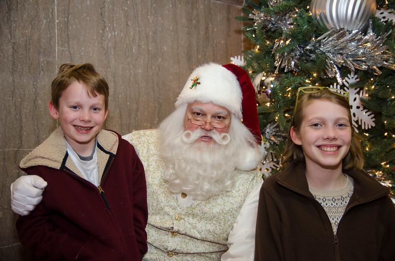 Santa at Grove_71.JPG