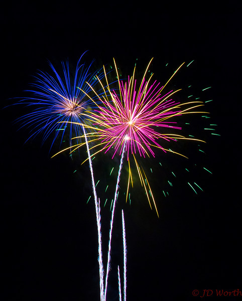 070417 Luray VA Downtown Fireworks - Pink Blue Yellow Pom Poms-0904.jpg