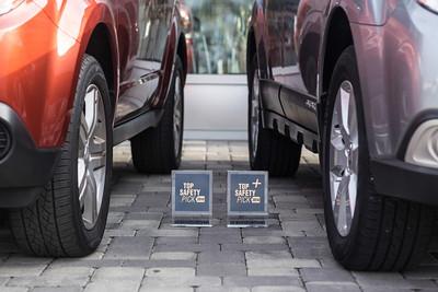 2013-12-01 DC - IIHS Car Dealer Award