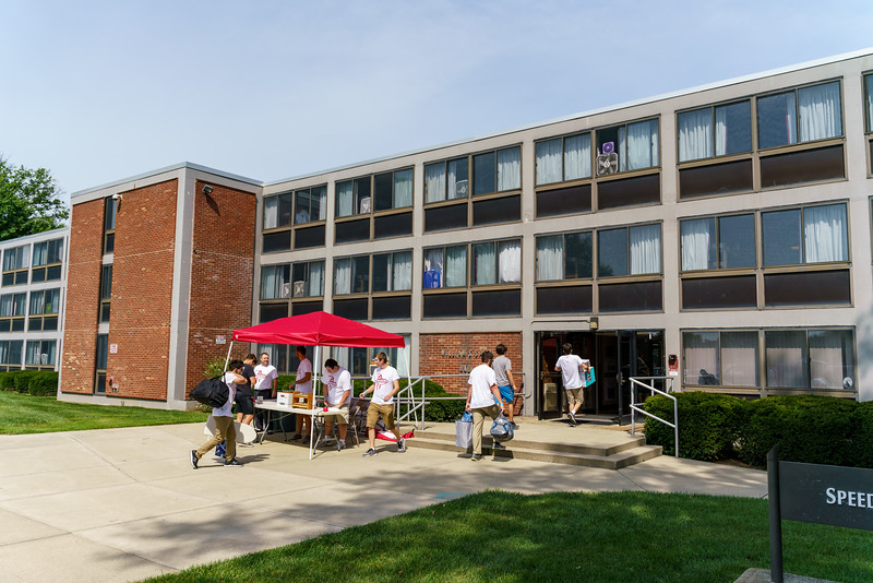 RHIT_Freshman_Move_In_Day_2019-7997.jpg