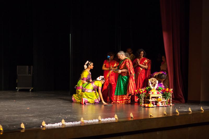 PriyaShreyaDance-0117.jpg