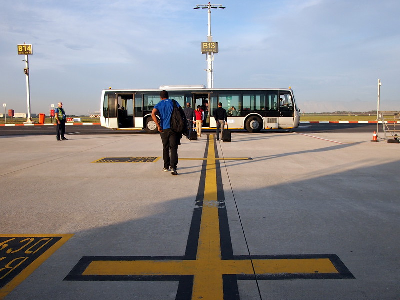 P5086635-transfer-bus.JPG