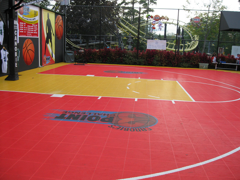 3-Point Challenge basketball court.