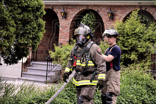 May 21, 2016 -Working FIre - 2652 Victoria Park Ave