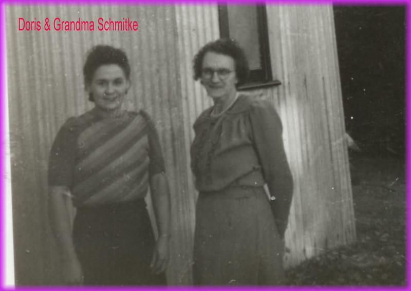 Doris & Grandma Schmitke0239.jpg