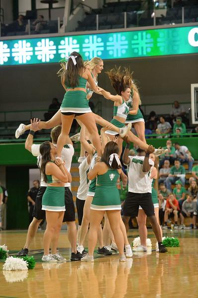 cheerleaders7932.jpg