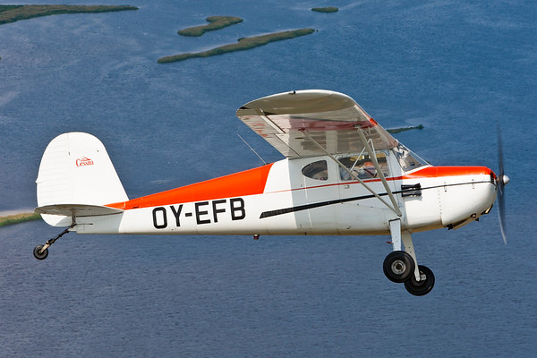 OY-EFB - Cessna 140