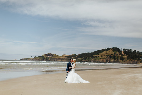 Ryan + Hannah: Newport, OR
