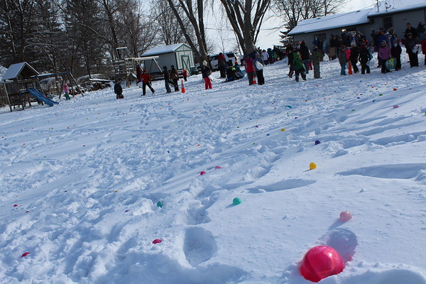 2018 Crow River Church Easter egg hunt