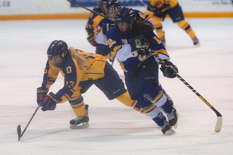 20130310 QWHockeyvsUBC 462.jpg