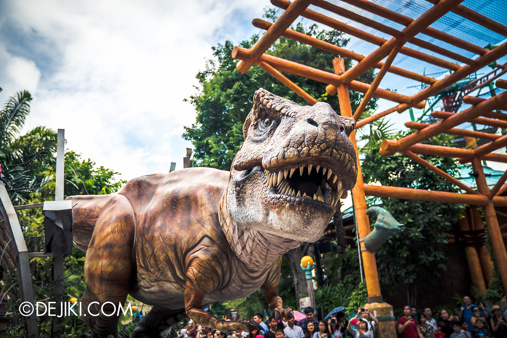 Universal Studios Singapore Park Update August 2016  - Hollywood Dreams Parade / Jurassic Park segment 4 T-Rex