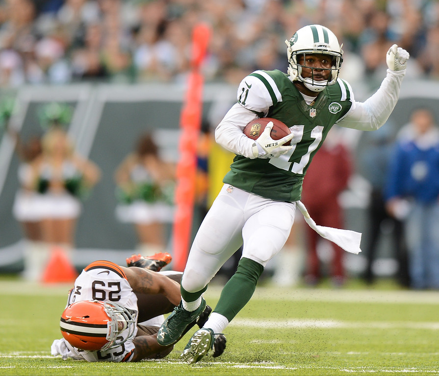 . EAST RUTHERFORD, NJ - DECEMBER 22:  Wide receiver Jeremy Kerley #11 of the New York Jets runs after a catch in the second half against the Cleveland Browns at MetLife Stadium on December 22, 2013 in East Rutherford, New Jersey. (Photo by Ron Antonelli/Getty Images)