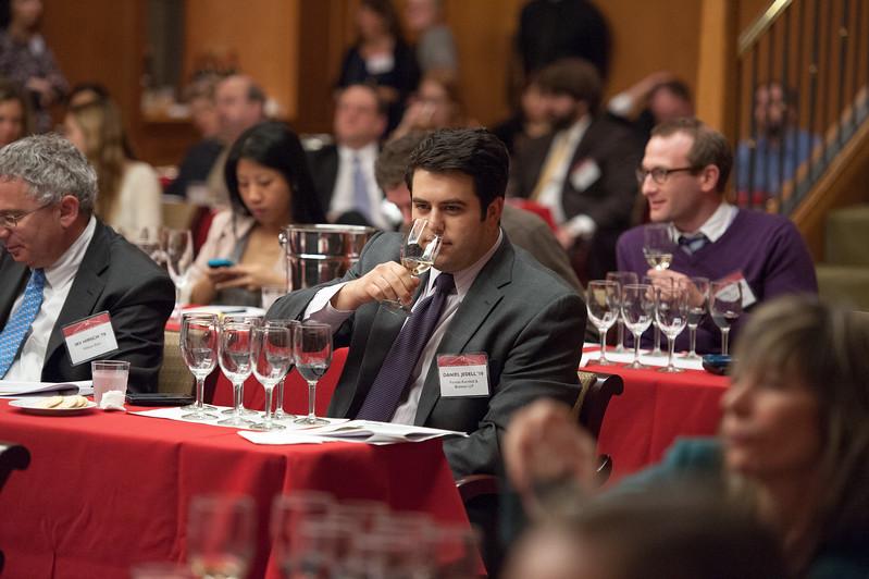 alumni_wine_tasting_053.jpg