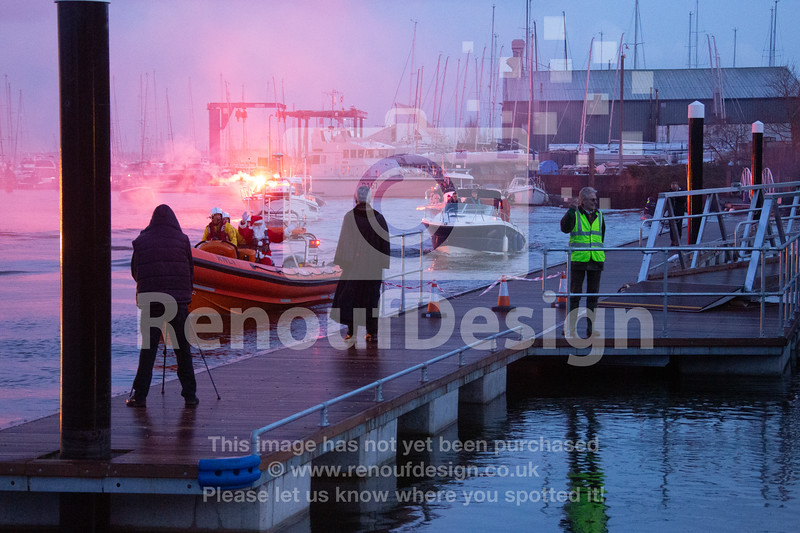15 - Santa on the Quay