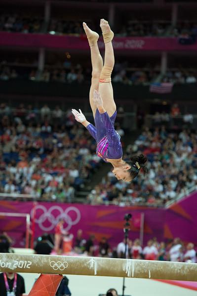 __02.08.2012_London Olympics_Photographer: Christian Valtanen_London_Olympics__02.08.2012__ND43664_final, gymnastics, women_Photo-ChristianValtanen