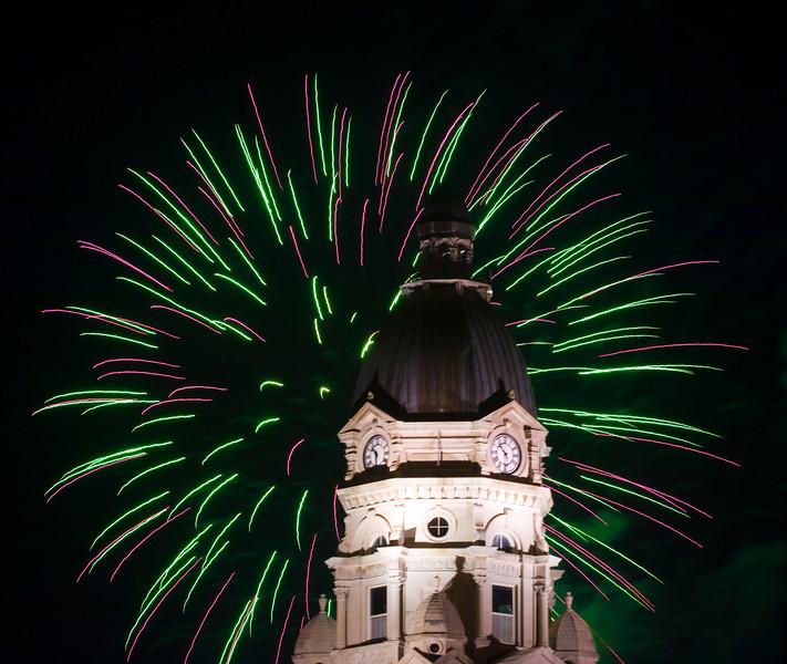 Terre_haute_fireworks_0149.jpg