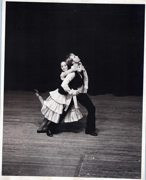 Dance_1033_a.jpg