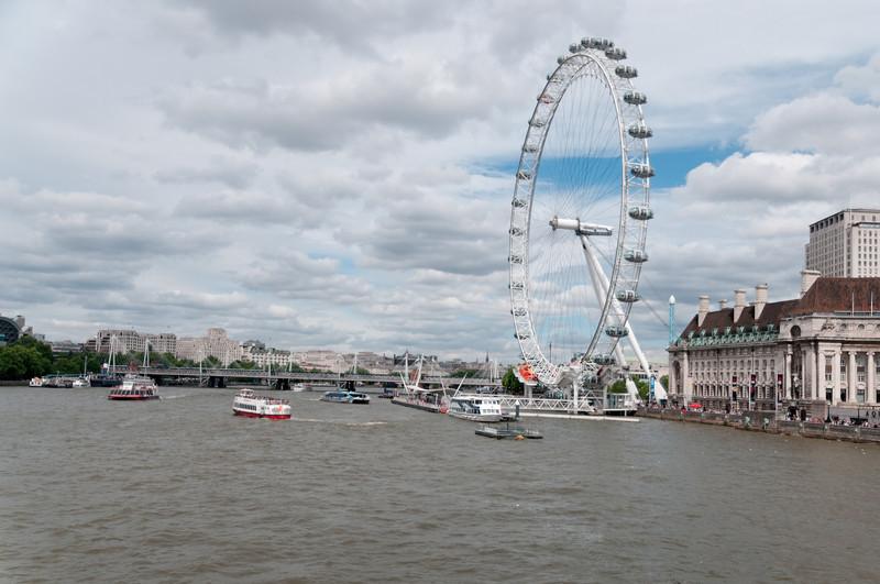 Für die Fahrt im London Eye mussten wir in einer langen Schlange anstehen.