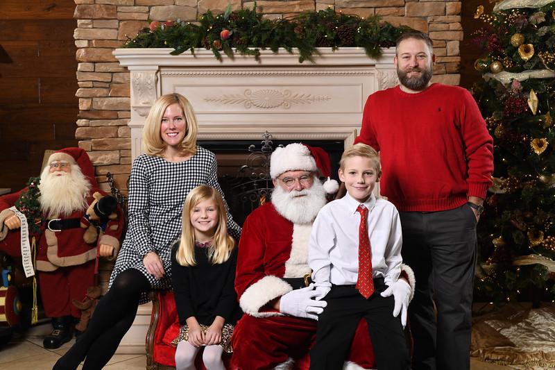 Santa2018.TylerBoye.-66.jpg