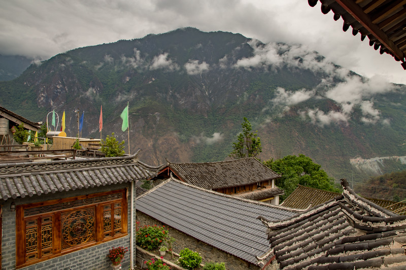 Trekking Tiger Leaping Gorge