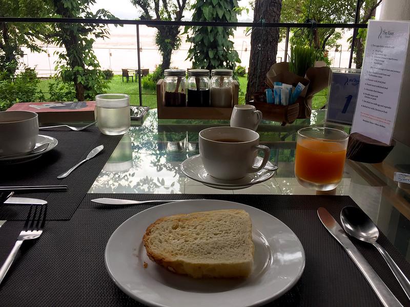 river breakfast.jpg