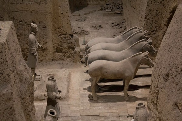The terra cotta warriors and their horses Xian - Stephanie Pincus