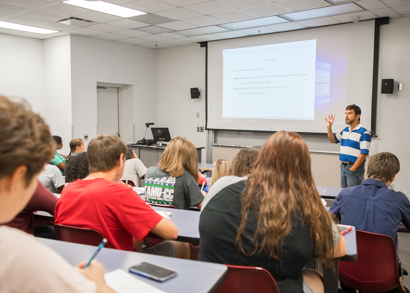 Dr. Terral Toma gives a lecture in his Introduction to Philosophy class located in the Center for Instruction.