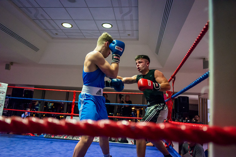 -FIN Nov Stadium of Light Boxing800_42650422.jpg
