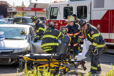 Derby Ave. Extrication (Derby, CT) 10/4/20