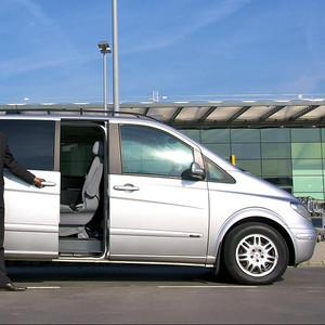 90107 Private transport by mini van 7 seater