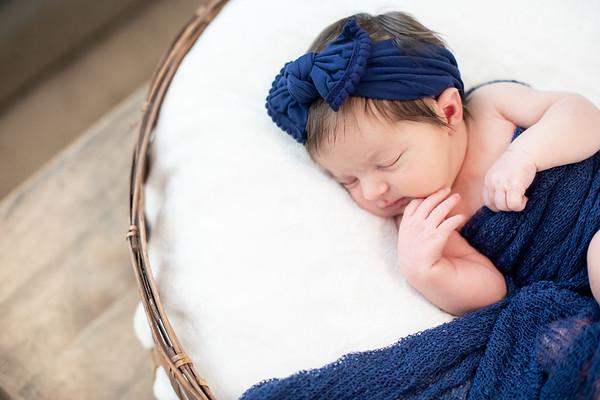 Newborn Lifestyle Session: Vivienne