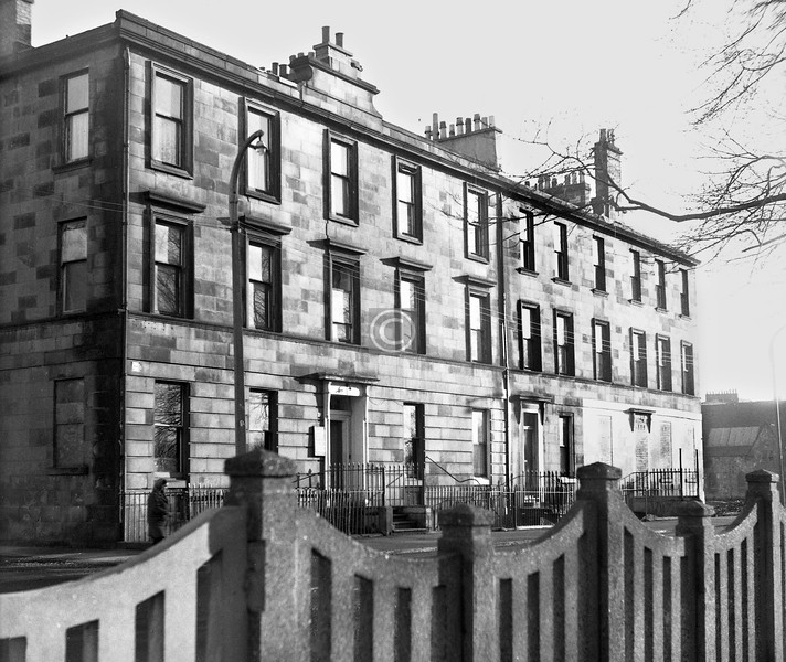 25-27 Monteith Row, east of Morris Place.    January 1974