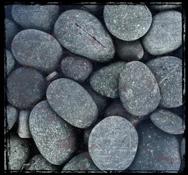 Pebbles (iPhone 4S)
