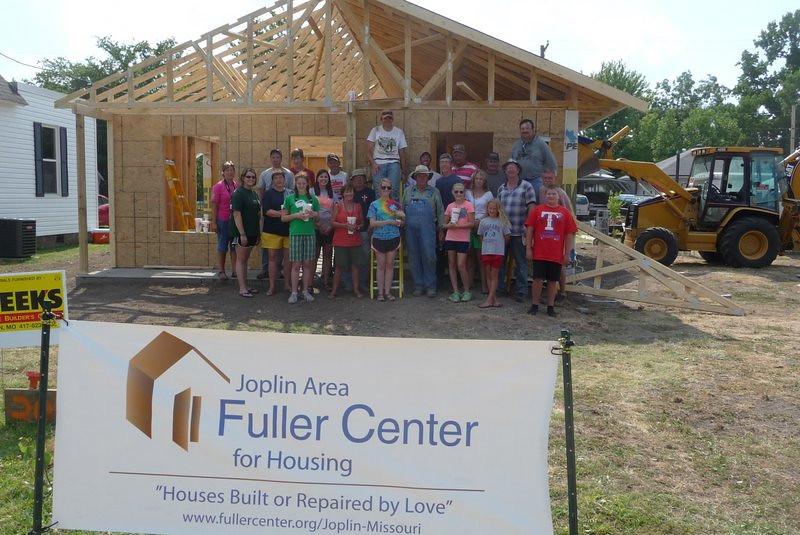 2012 07-12 Volunteer team from Southern Oaks Bapt. Church, Tyler, TX
