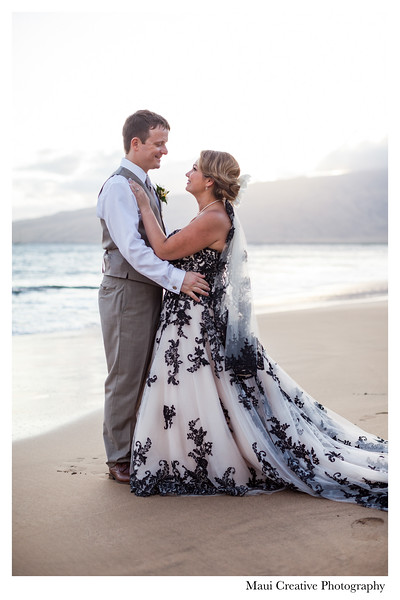 Maui-Creative-Destination-Wedding-0237.jpg