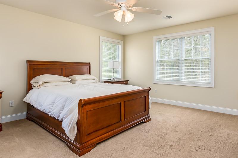 20-Master Bed 1.jpg