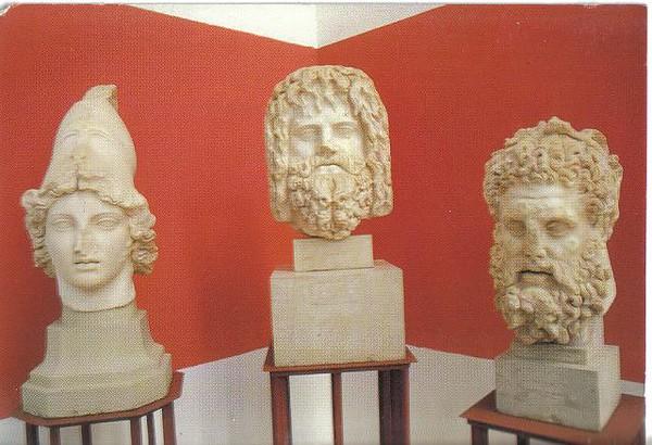 029_Tunis_Musee_du_Bardo_Les_Statues_Romaines.jpg