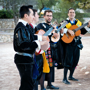 51140 Traditional spanish guitar group and singers