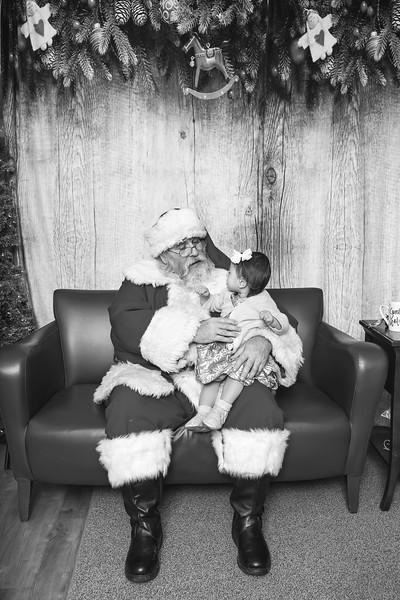 Ameriprise-Santa-Visit-181202-5043-BW.jpg