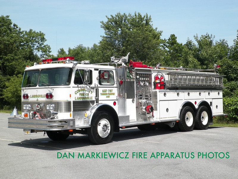 COMMUNITY FIRE CO. TANKER 47-32 1982 HAHN TANKER/PUMPER
