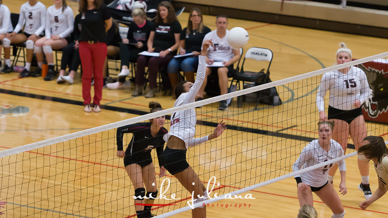 20181018-Tualatin Volleyball vs Canby-0485.jpg