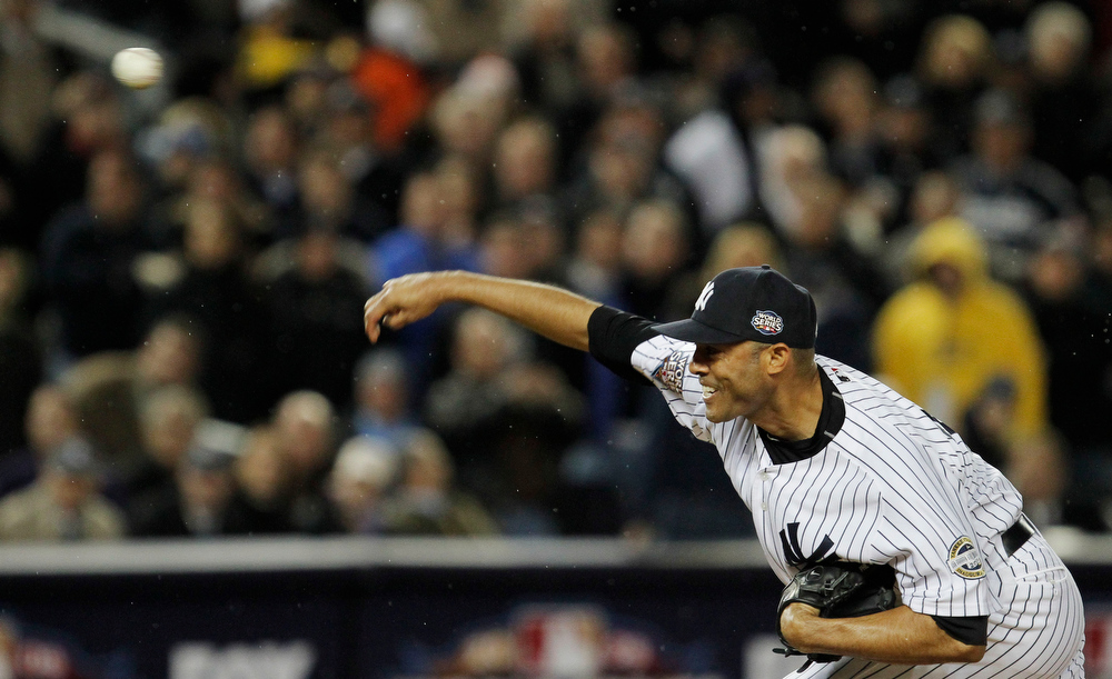 . New York Yankees\' Mariano Rivera pitches to the Philadelphia Phillies during the eighth inning of Game 6 of the Major League Baseball World Series Wednesday, Nov. 4, 2009, in New York. (AP Photo/David J. Phillip)