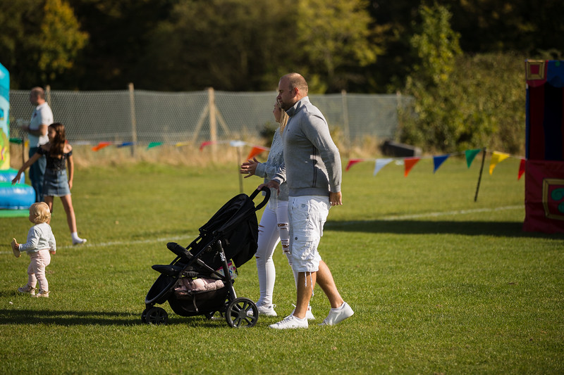 bensavellphotography_lloyds_clinical_homecare_family_fun_day_event_photography (304 of 405).jpg