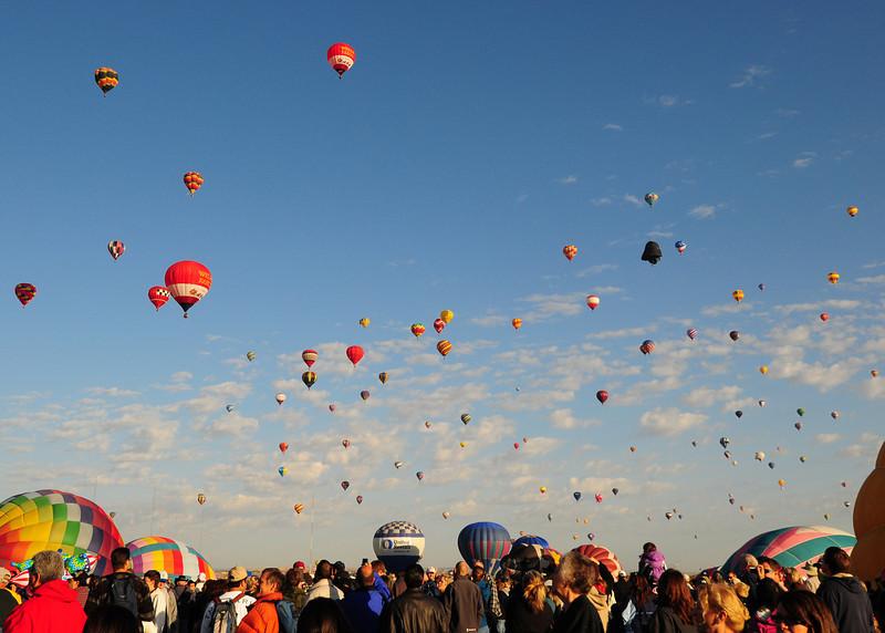 NEA_5128-7x5-Balloons.jpg